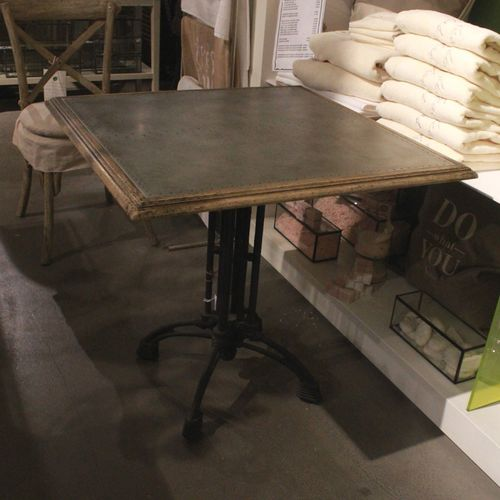 Migani METAL DINING TABLE + GALVANIZED TOP