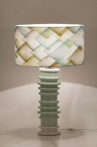 "Green Apple Table Lamp w/Shade ""Gomes"""