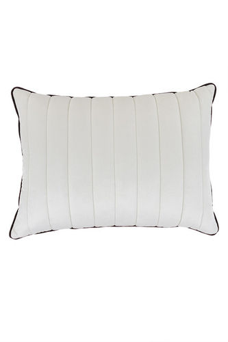 "Green Apple Rectangular Pillow ""Edgardo"""