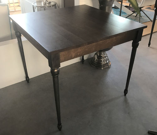 Hazenkamp Diningtable Orlando 90x90 oak - Black Legs / Brown Top